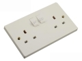 Kingavon 13 Amp 2 Gang Plug Socket with Switch in White PA153
